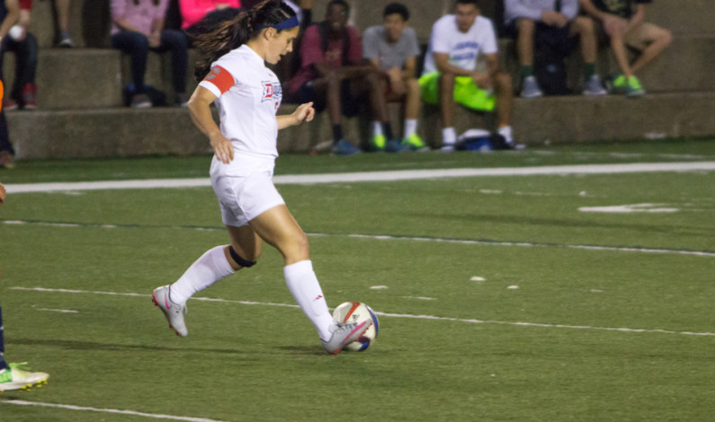 Women's soccer snaps three-game losing streak