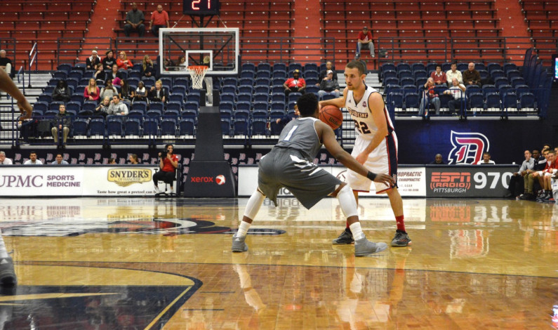 RECAP: Men's basketball takes down New Orleans to improve record to 2-0