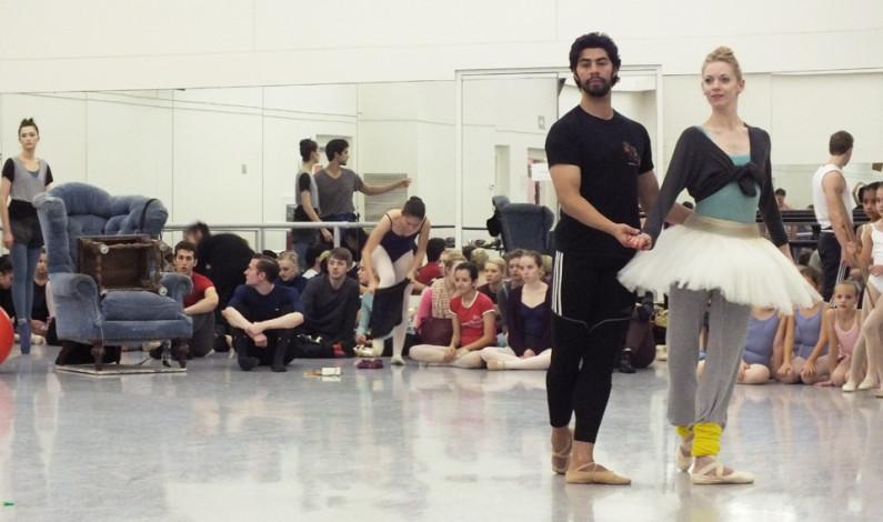 "Pittsburgh Ballet brings back ""Nutcracker"""
