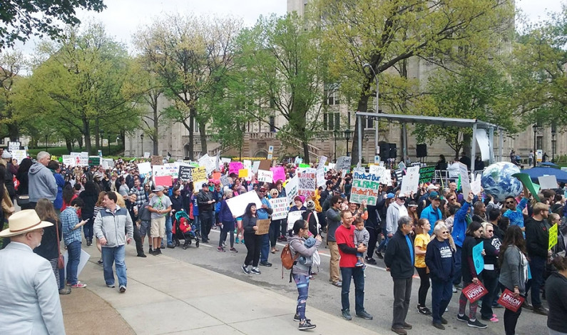 Science supporters take over Oakland for march