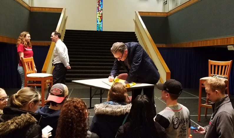 Tom Kenny not a square, entertains students