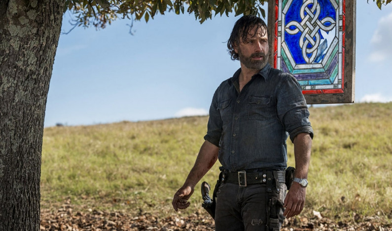 <em>The Walking Dead</em> ends eighth season with epic crossover