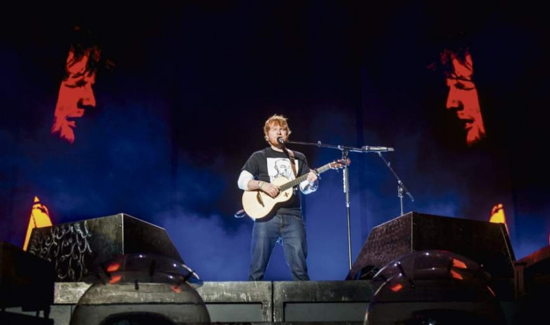 Ed Sheeran entertains fans at PNC Park