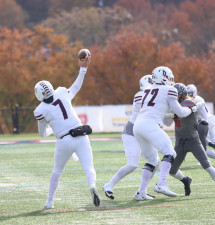 Football loses first NEC game to Robert Morris
