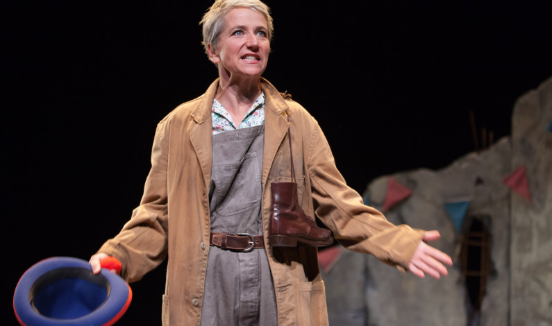 <em>An Elephant in the Garden</em> is an impressive one-woman show