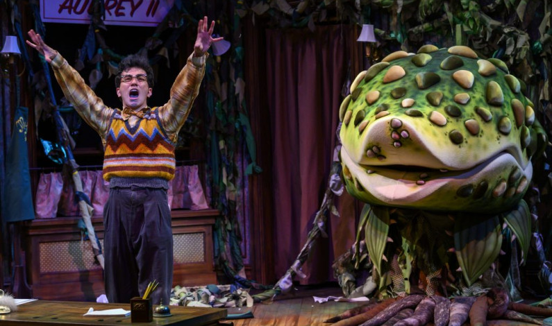 Pittsburgh Public Theater cast nails <em>Little Shop of Horrors</em>