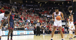 Men's basketball's Weathers thriving in second season at DU