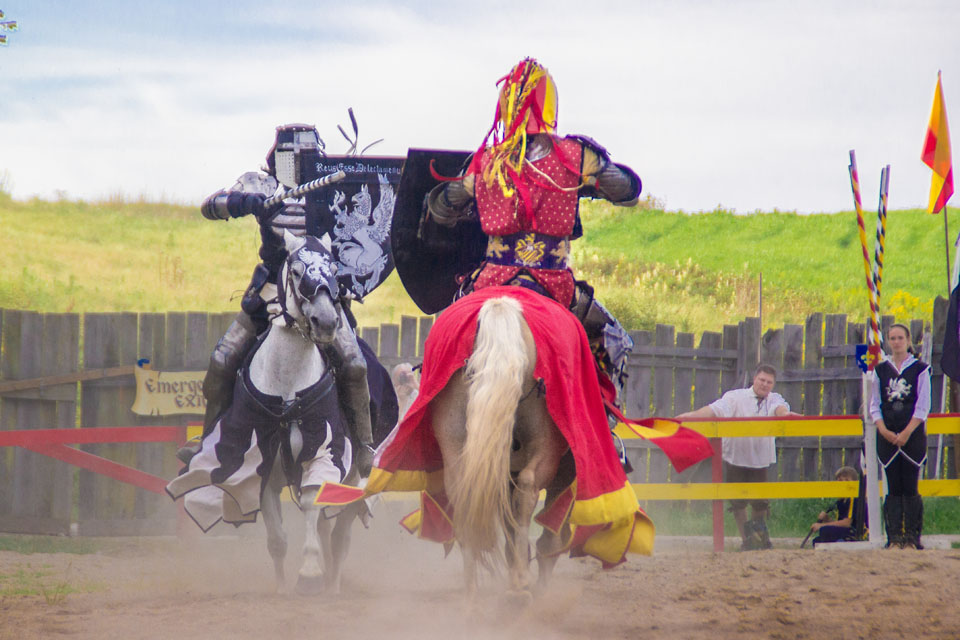 9-12 Features- RenFest Joust (photo aw)