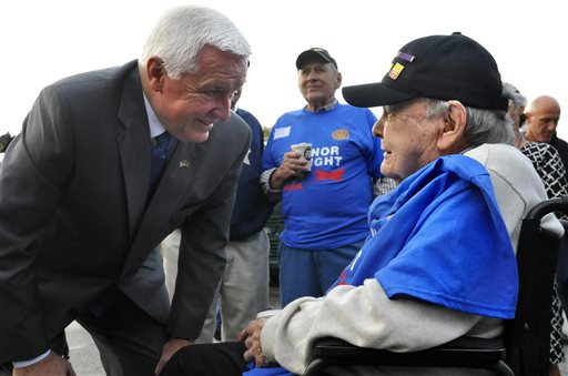 Corbett greets veterans before Honor Flight