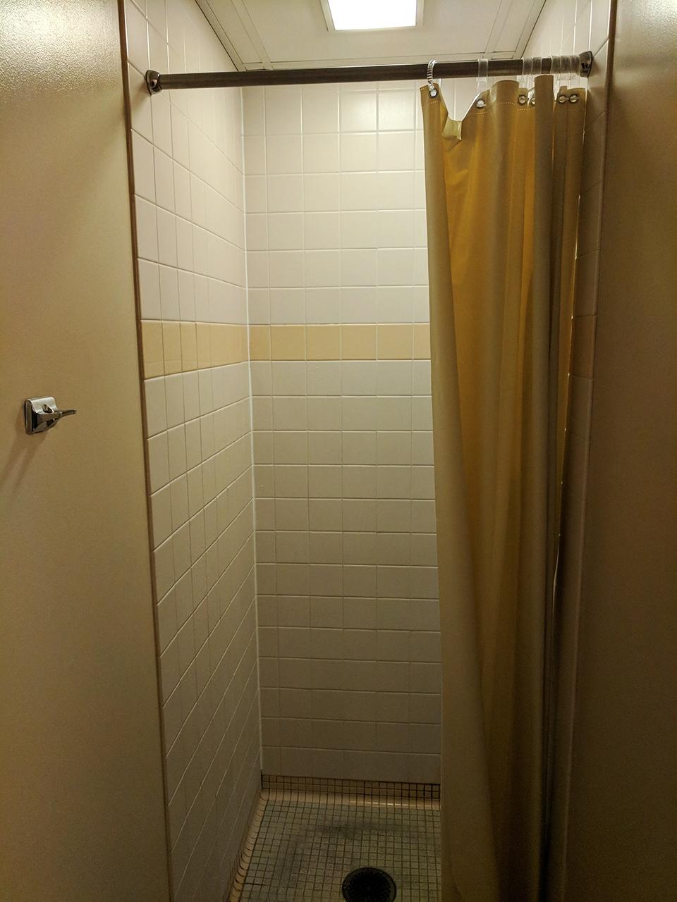 housing_vickroybathroom1